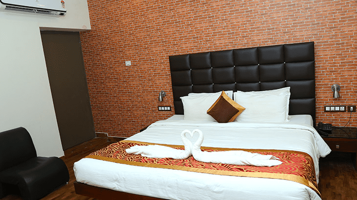 Merlin Oriental Suite Room